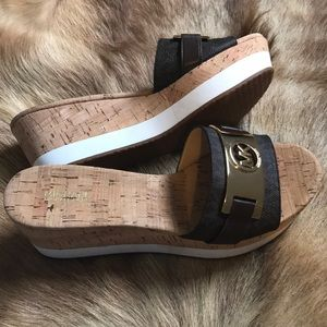 Michael Kors warren sandals 9M